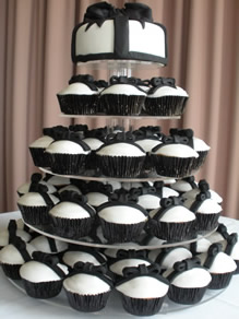 black and white wedding cakes cupcakes wedding cakes pictures black and white wedding cupcakes 11848