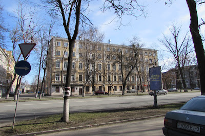 Мемориальный одиночный комплекс из двух видов гранитов Малая Вишера подбор памятников Химки