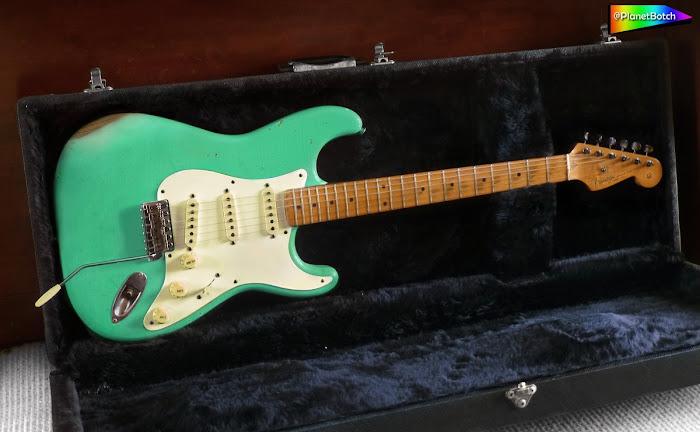 Fender Relic Stratocaster Foam Grern