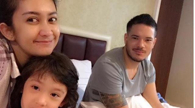 Gosip Terhangat - Anak Sakit, Nafa Urbach Berjuang Tanpa Suami