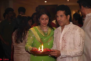 Sachin Tendulkar with his wife at Mata ka Jagrata hosted by Anu Malik 08.JPG