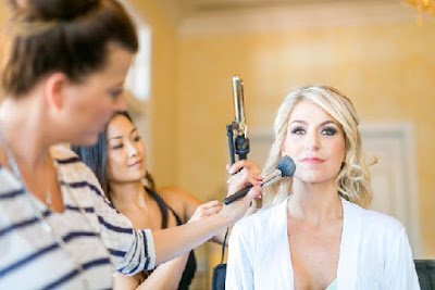 Hiring a Professional Wedding Makeup Artist
