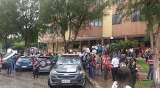 Suspeita de bomba faz polícia esvaziar Fórum na Paraíba