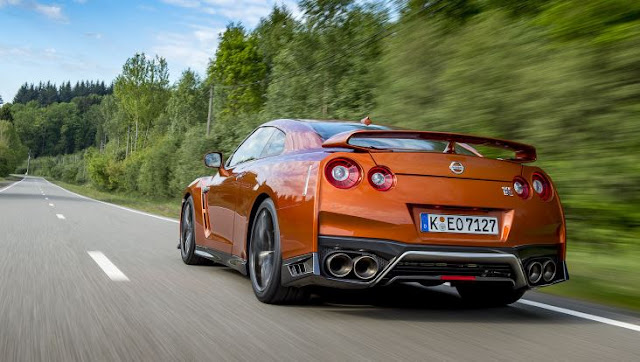 2017 latest Nissan GT-R Review