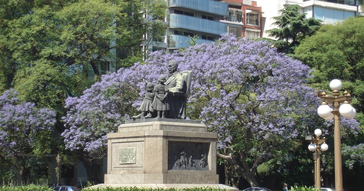Monuments of Buenos Aires: El abuelo inmortal (The Immortal