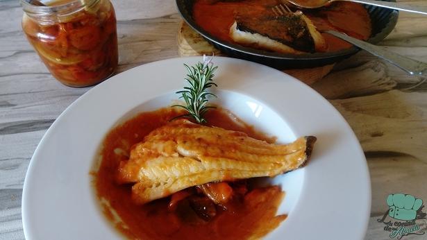 Receta: lomo de bacalao fresco con tomate y pimientos