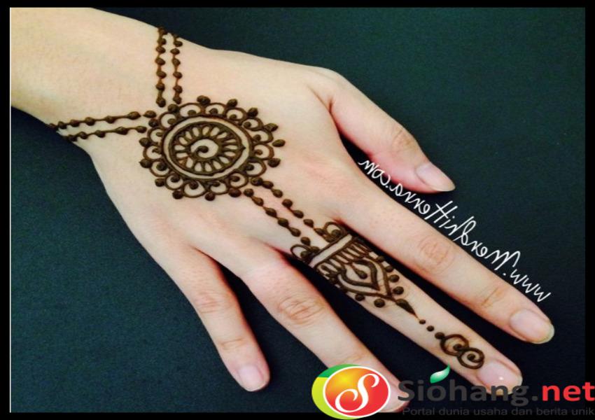 47 Gambar Motif Henna Tangan Simple Dan Cantik Untuk Pemula