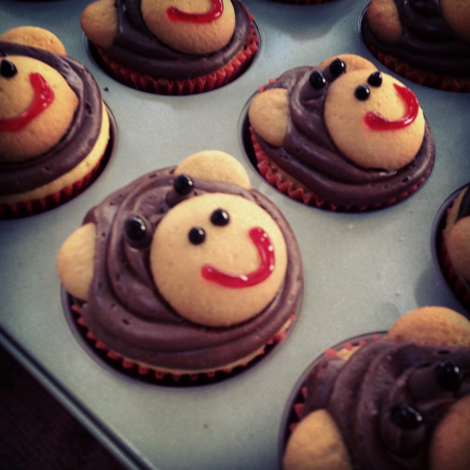 Thatssewnina My Monkey Turns 1 Pinspired Monkey Cupcakes