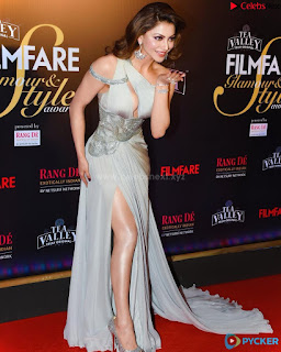 Urvashi Rautela sizzling Beauty Queen Spicy Silver Choli .xyz Exclusive Pics 008