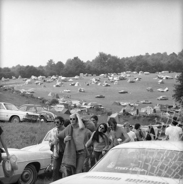 woodstock 69 The woodstock music and art fair occupies a venerable place in america's pop culture history, but some basic facts surrounding the.