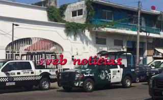 Operativo policiaco en Delegación Tránsito del Estado en puerto de Veracruz