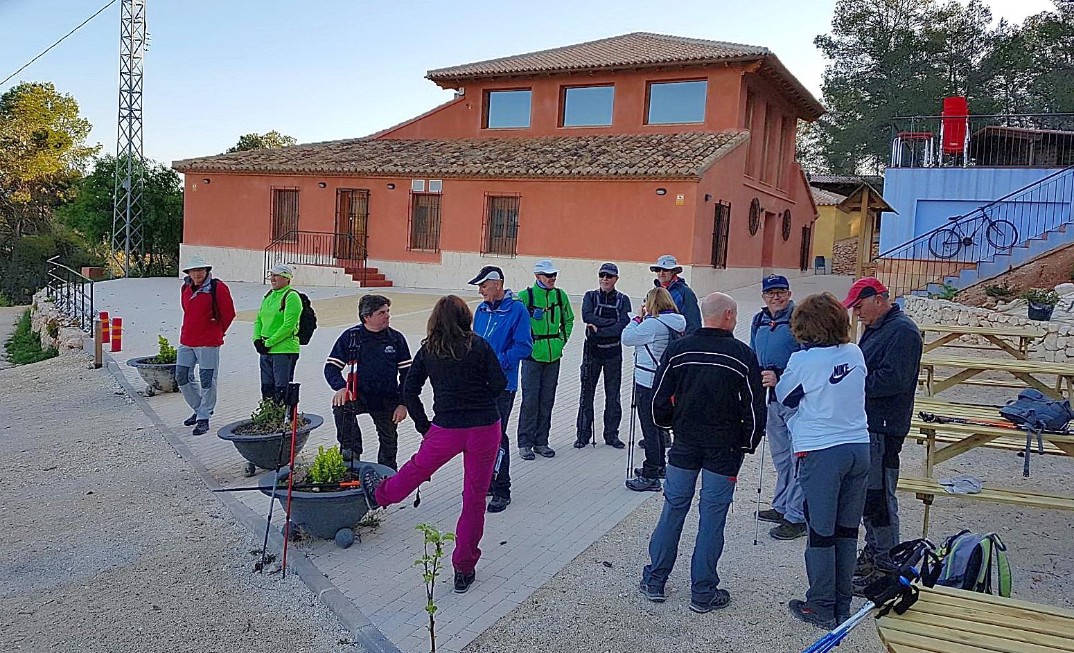 Wikiloc - Ascenso a La Piedra del Almirez y Perona desde el Albergue ...