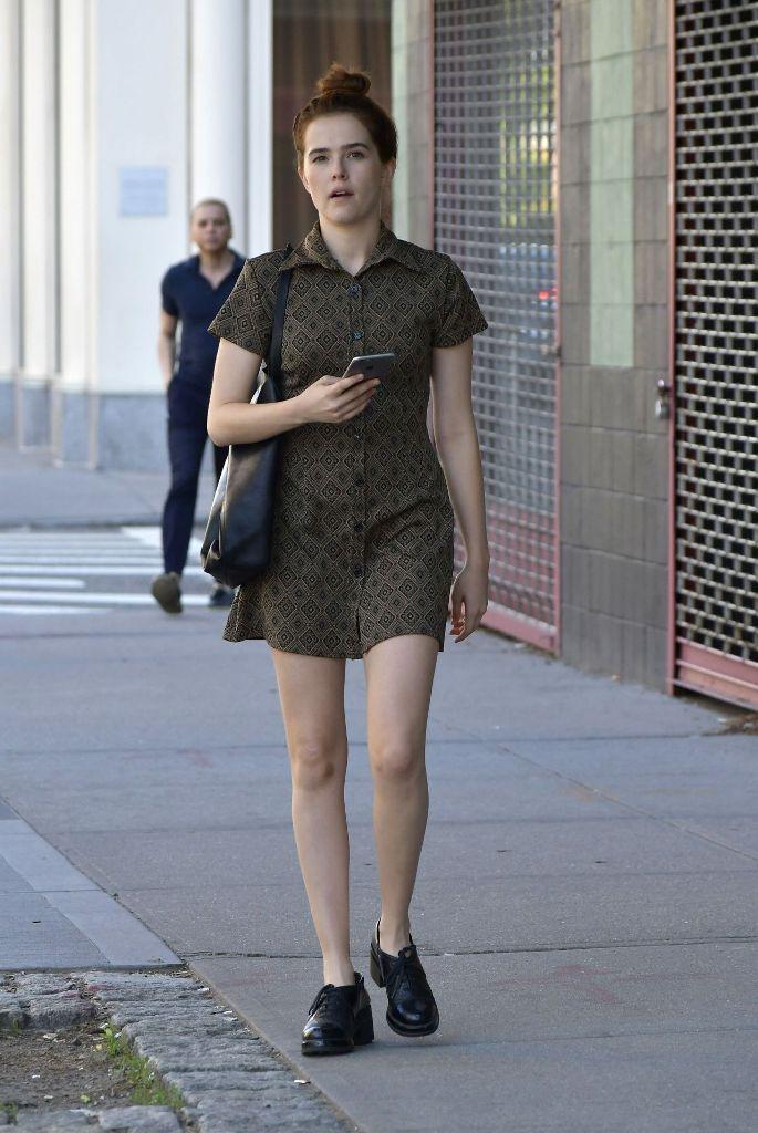 Zoey Deutch Summer Style Ideas in New York City