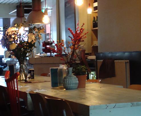 Weekend in Leeuwarden, eetcafé Het Leven | Happy in Red