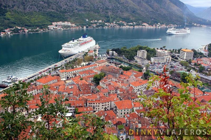 Vistas de la bahía de Kotor