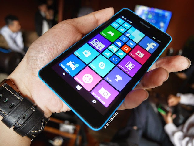 I got to fiddle around with the all-new Microsoft Lumia 535 at the 'One Experience' session