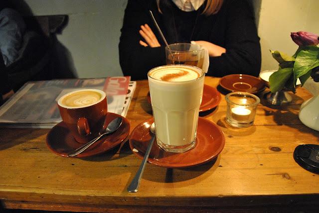 Katie's Blue Cat - Kaffee, Tee und Chai Latte
