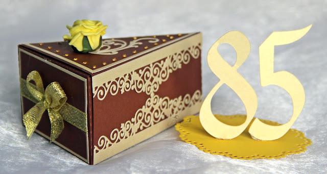 papierowy tort, tort z papieru, prezent dla mężczyzny, nietypowy prezent,