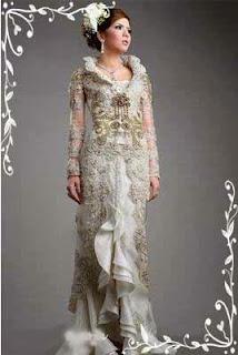 Gaun Kebaya Modern Warna Silver