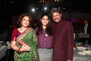 Kapil Dev With His Wife Romi And Daughter Amiya