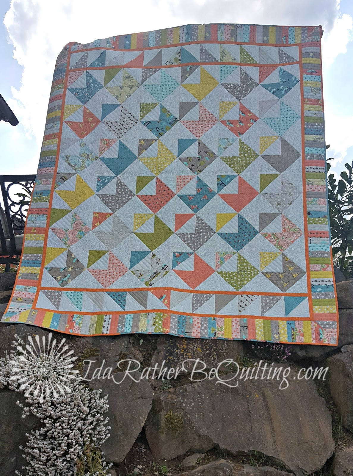 Ida rather be quilting hedgehog post a quilt from missouri stars i finished piecing this one shortly after we came back to the states from turkey so fall of 2013 i used this tutorial from missouri star quilt co baditri Images
