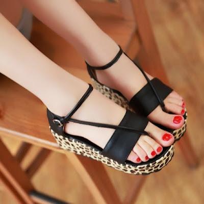 Tìm hiểu những kiểu giày đế xuồng xỏ ngón phong cách