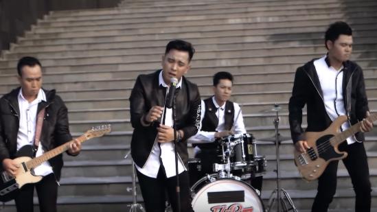Download Lagu Ilir7 Terbaru Sakit Sungguh Sakit Mp3