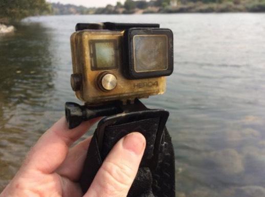 Terjumpa GoPro Di Sungai Sewaktu Berkayak, Lelaki Ini Kongsi Gambar Untuk Mencari Pemilik GoPro Ini