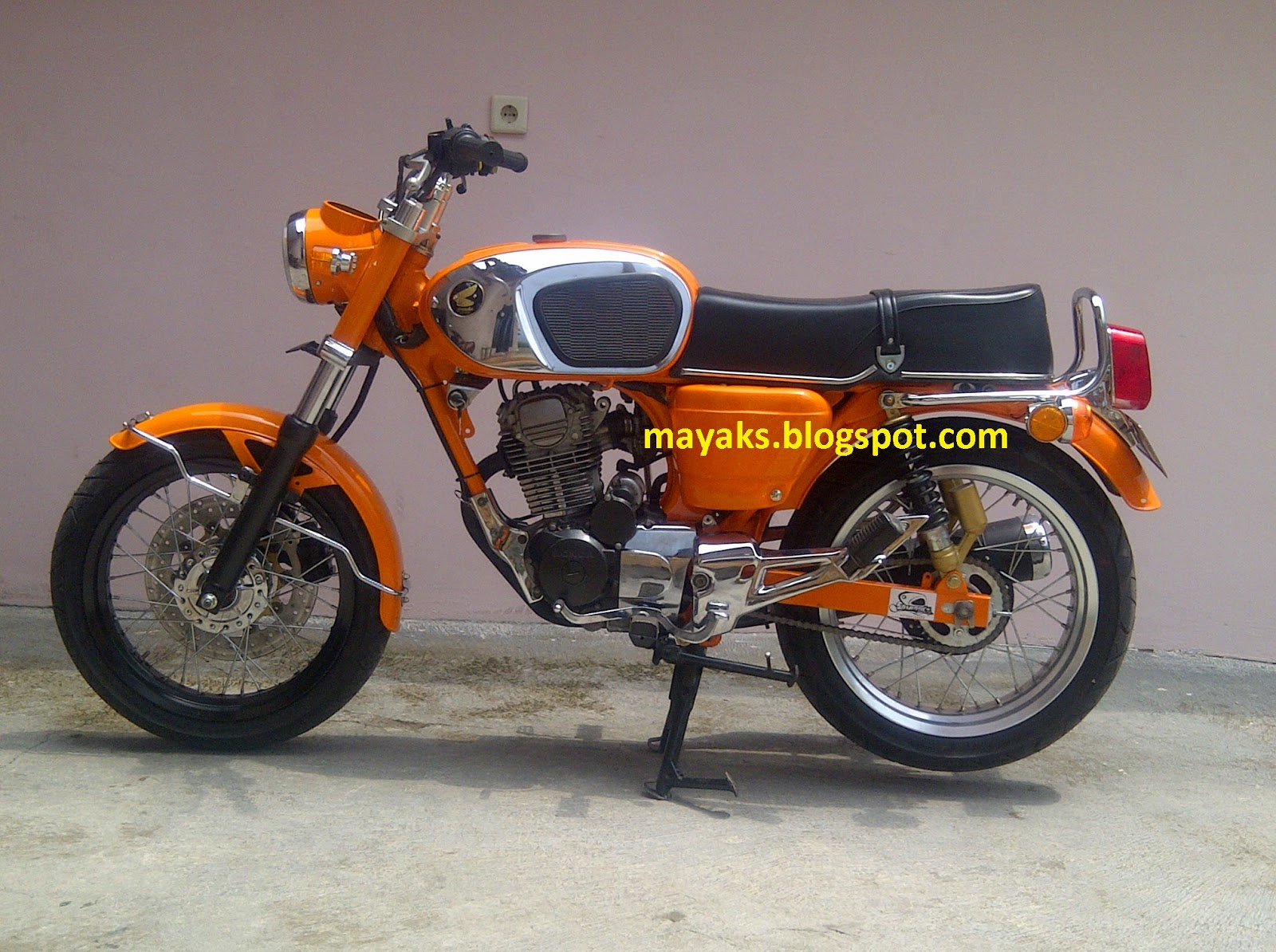 Download Kumpulan 55 Modifikasi Motor Honda Dream Terkeren Pojok