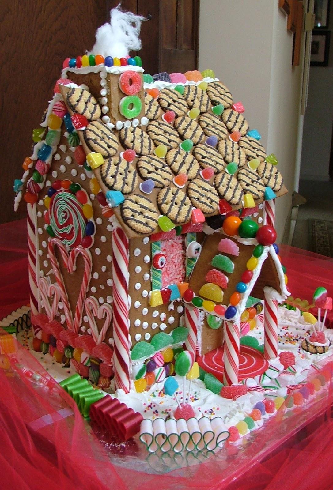 suzy homefaker gingerbread house decorating ideas. Black Bedroom Furniture Sets. Home Design Ideas