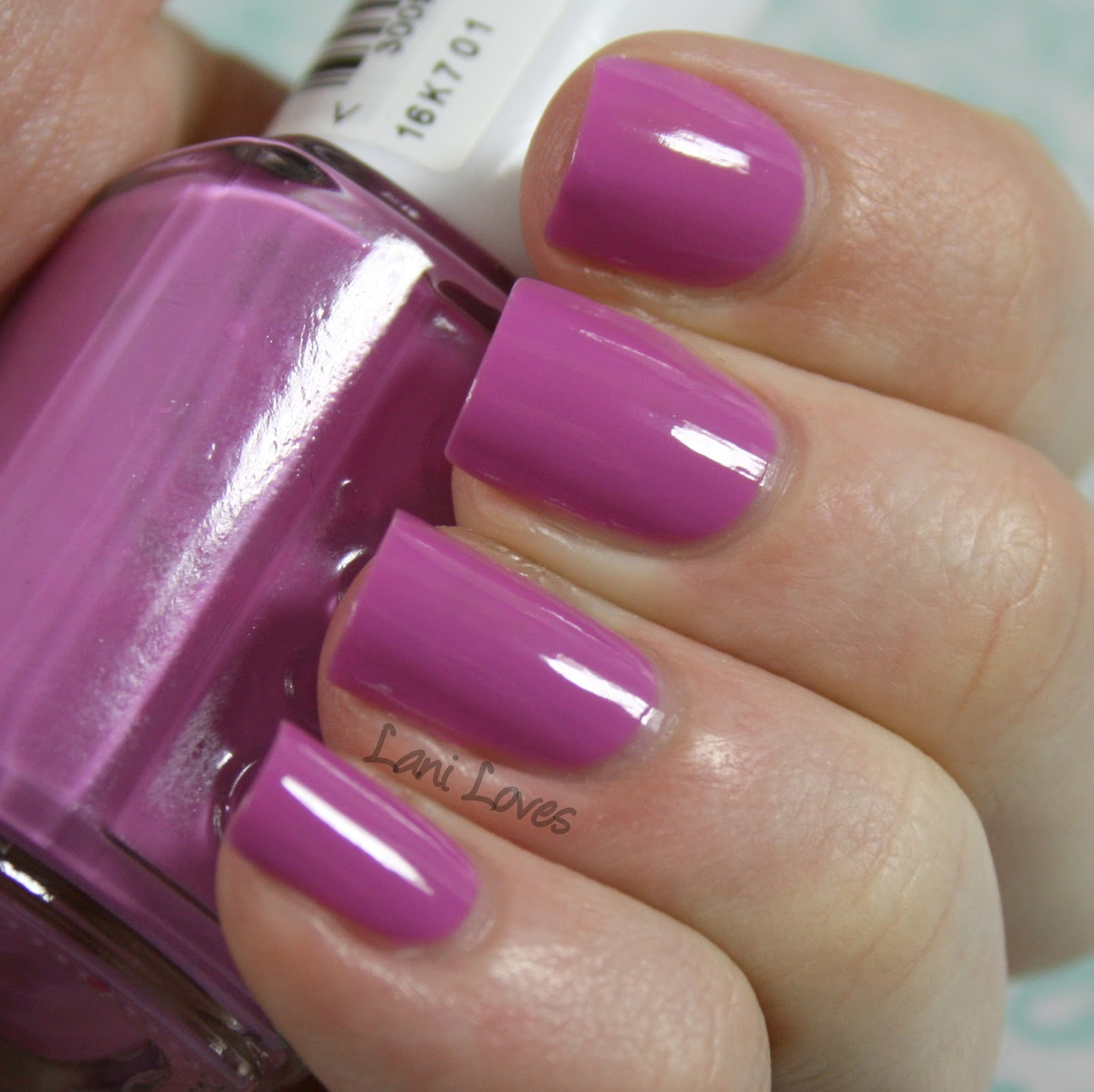 Essie - Splash of Grenadine Swatches & Review