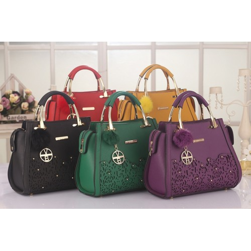 75676fa964de VB3595 DESIGNER BAG (2 IN 1 SET) PRICE   RM99 (Free postage to Peninsular  Malaysia) MATERIAL   QUALITY ARTIFICIAL LEATHER GRED   AAA WITH VICTORIA  BECKHAM ...