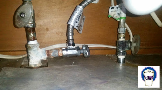 DIY: Something is leaking under the kitchen sink!