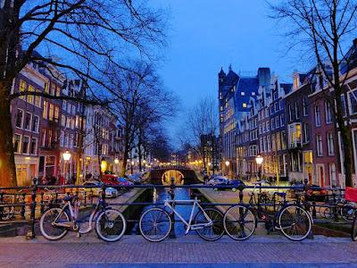 Senja di Belanda