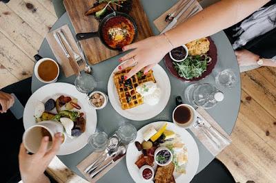 Lapar Malam Hari? Ini 8 Tips Makan Sebelum Tidur