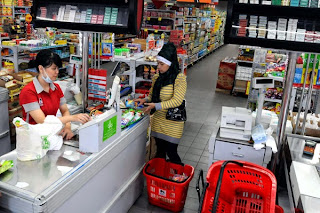 Image result for beli barang di supermarket