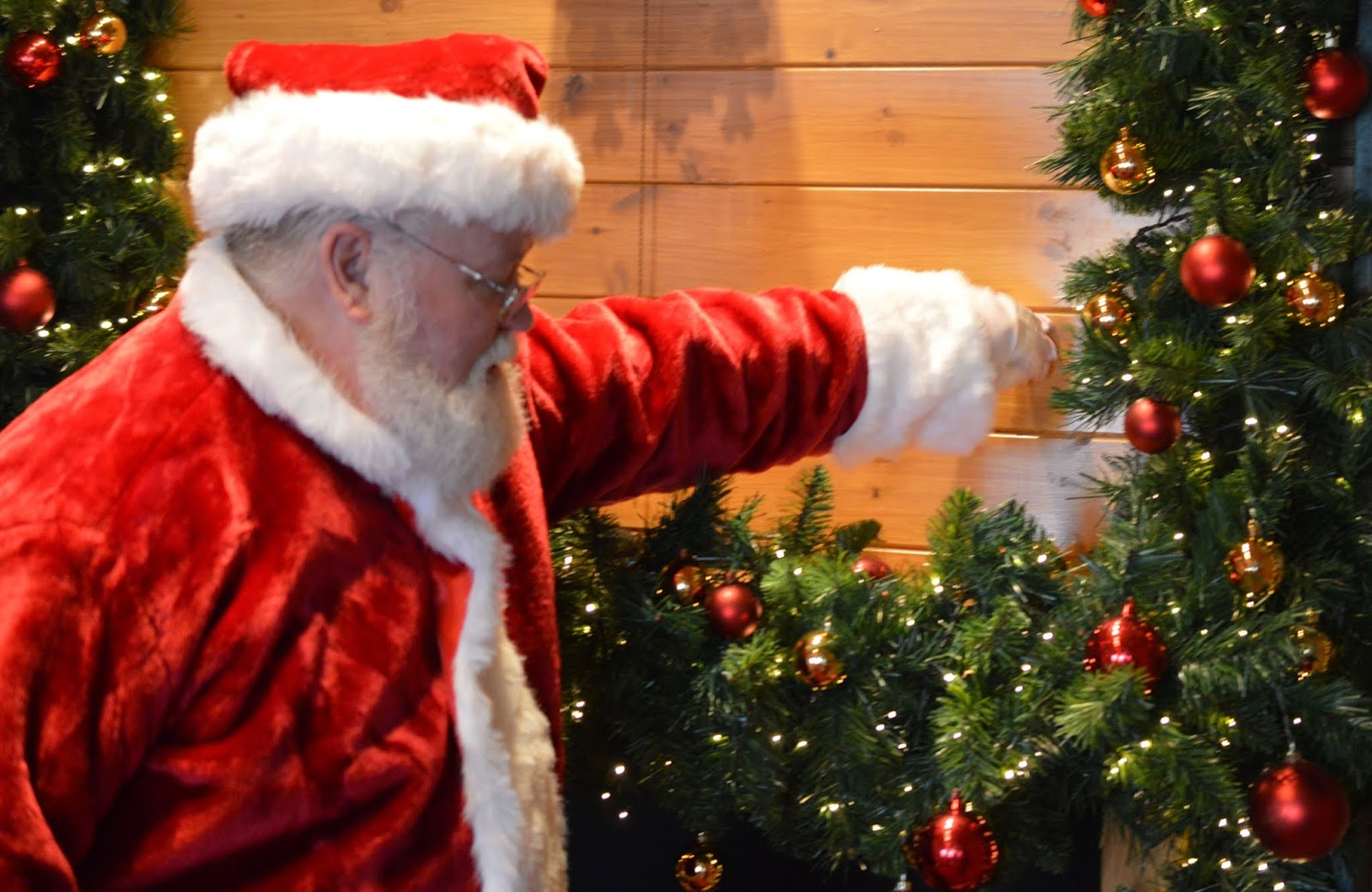 Santa on the Rooftop at Fenwick Newcastle   A Review  - magical door opening