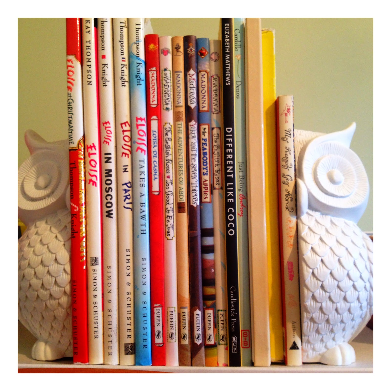 mamasVIB | V. I. BOOKCLUB: Build a classic *CHRISTMAS* library for kids (Eloise at Christmastime)