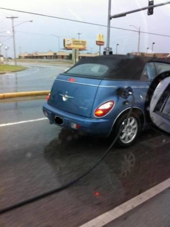 Cum mai pleaca unii de la benzinarie