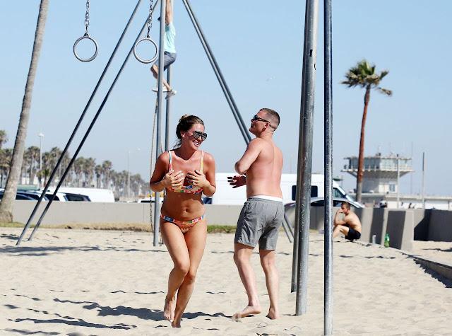 Danielle Lloyd in a BIkini – Exercising With Her Fiance Near Venice Beach