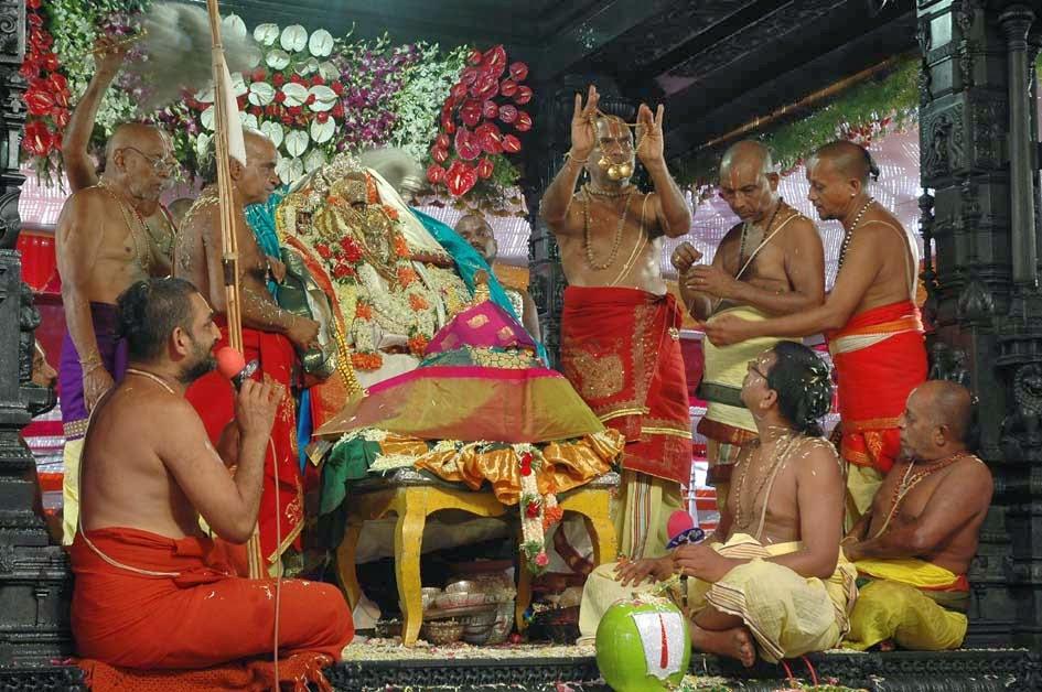 info on srirama navami Sri rama rama rameti rame raame manorame sahasra nama tat tulyam rama culminating in spectacular fireworks on rama navami it is said that the repetition of.