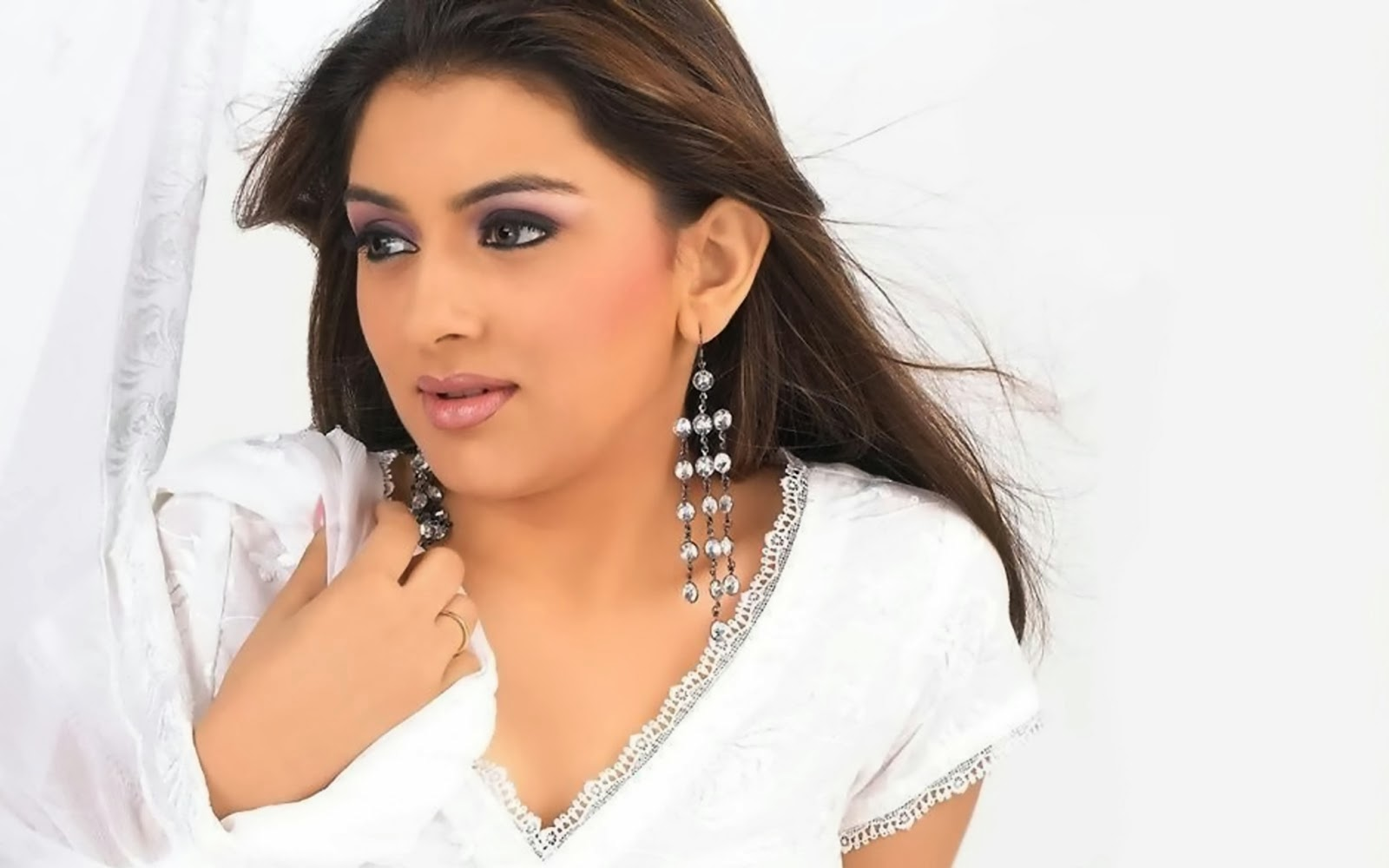 hansika motwani hd wallpaper download