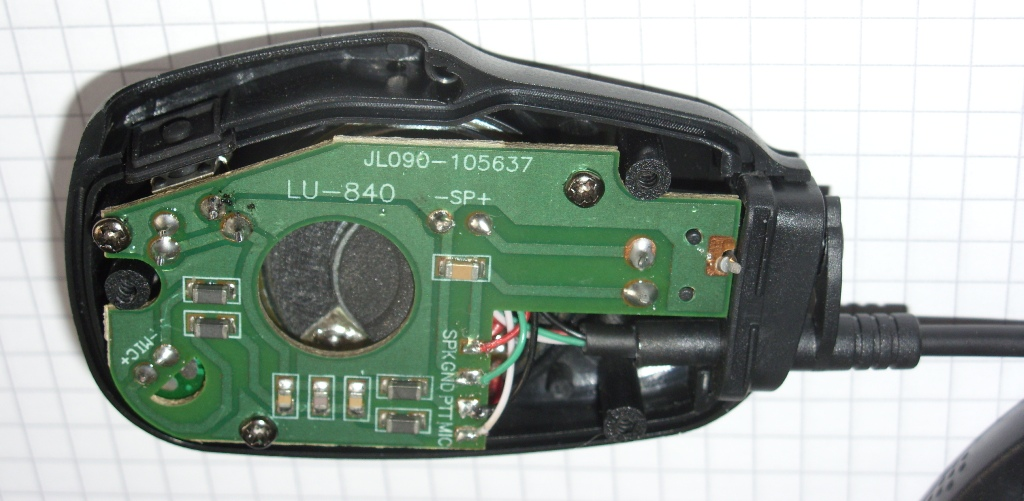 m0wye s blog microphone and speaker connections for tyt md380 hold the circuit board to the moulding and you need to be careful not to loose the little rubber pad which goes between the ptt lever and the button on