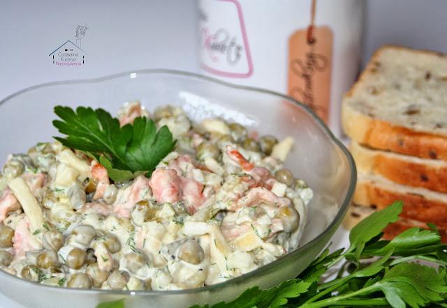 szybka sałatka na majówkę i imprezę, błyskawiczne danie na domówkę, daylicooking, Małgorzata Kijowska
