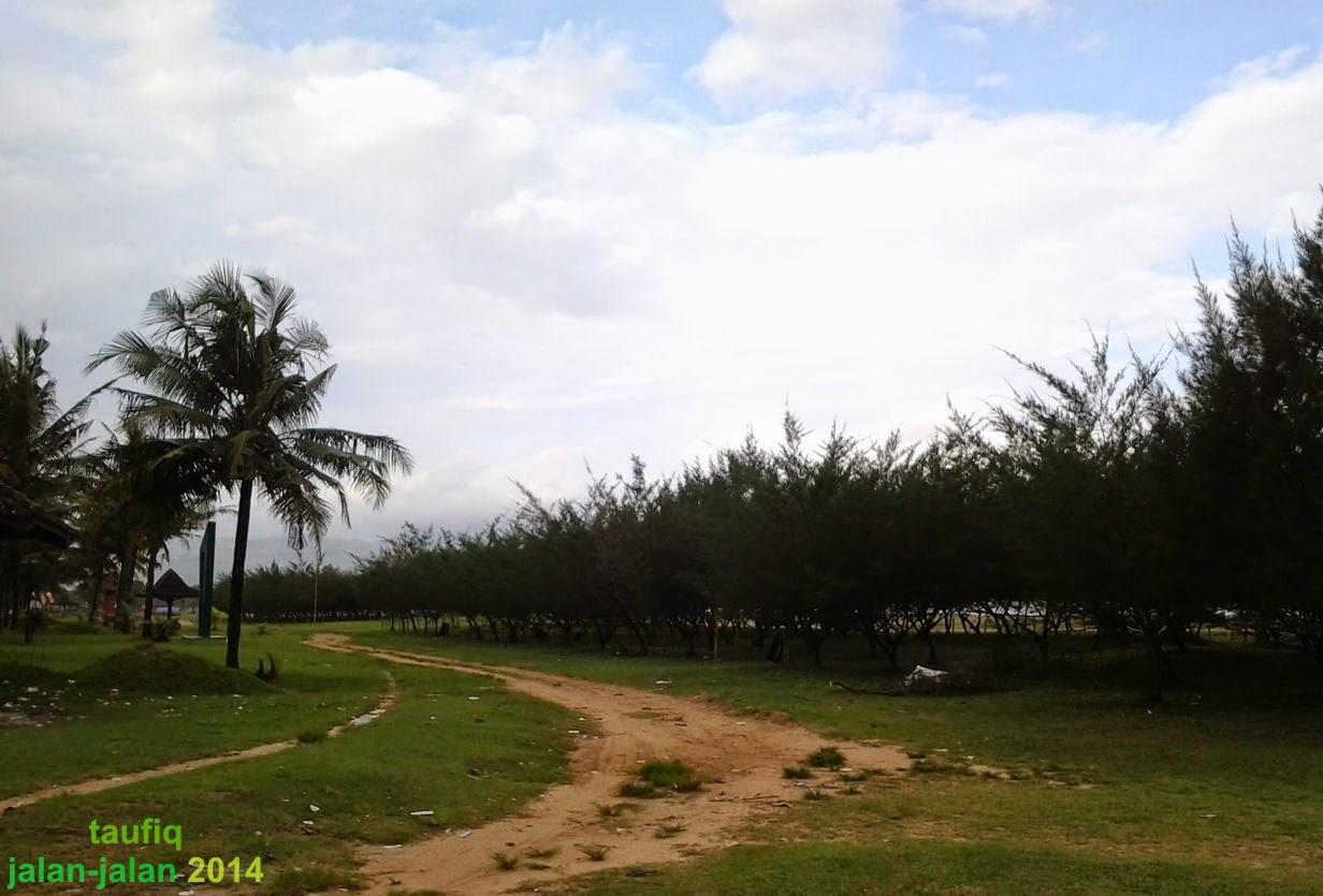 Pantai Teleng Ria Pacitan (2014)