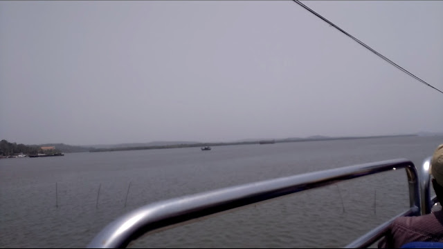 opne top bus view of Mnadovi river, Panjim