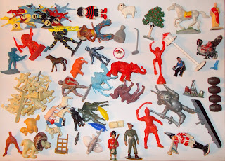 Contribution, Donations, How They Come In, Job Lot, Mixed Lot, Mixed Playthings, Mixed Toys, Show Plunder, Show Reports, Small Scale World, smallscaleworld.blogspot.com, 4 Highlights Of Interest Unusual Figures And Things DSCN9734