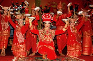 Tari Piring dari Provinsi Sumatera Barat