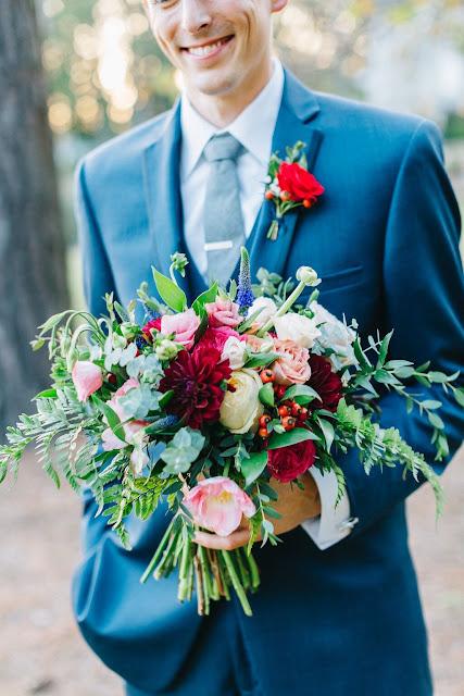 Atlanta florist, Atlanta wedding, Bloomin' Bouquets, Little River Farm, florist, summer wedding, outdoor wedding, The Knot Weddings, wedding, wedding flowers