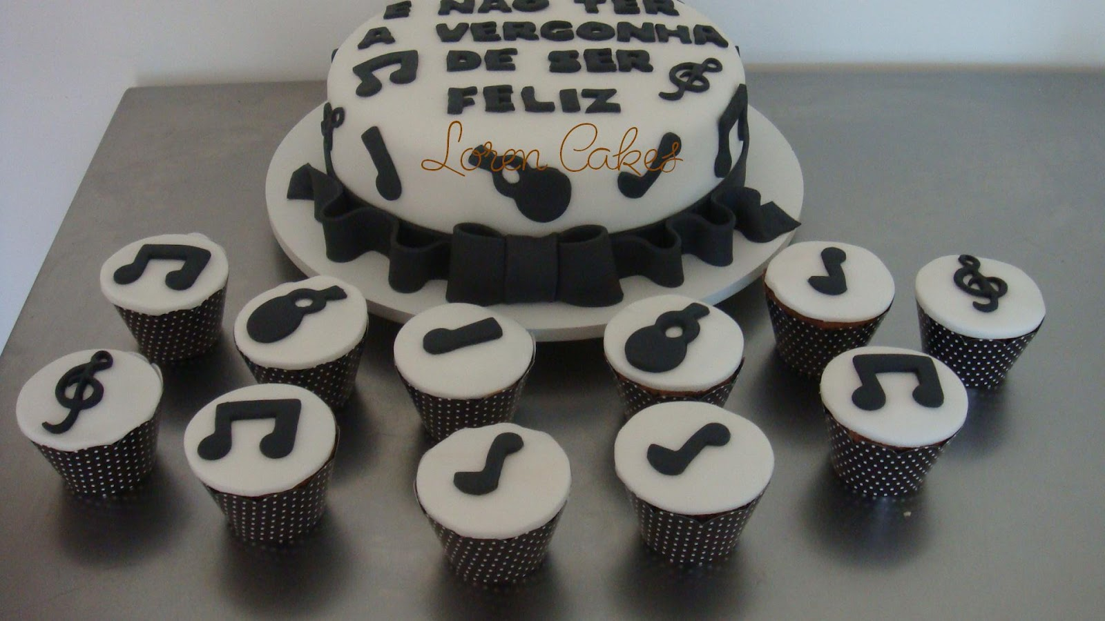 Loren Cakes Bolo Cupcakes E Docinhos Tema Musical